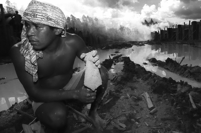 LOS ANGELES TIMES – SUPPLY CHAIN – BRAZIL SLAVERY IN CHARCOAL MASS ILLEGAL PRODUCTION – CHARCOAL AND STEEL: Brazil struggles toward progress