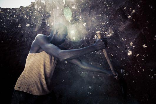 LE TEMPS.CH – Deux géants suisses s'affrontent dans la bataille du cobalt / Enquête sur un bras de fer qui s'étend du Congo au Léman